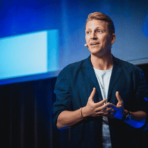 Speaker - Tobias Beck